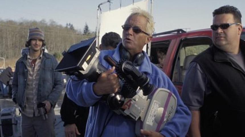 David R. Ellis réalisera Shark Night 3D