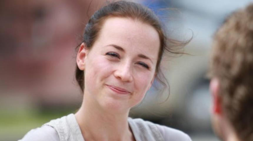 Karine Vanasse joue pour Woody Allen et Frédéric Schoendoerffer