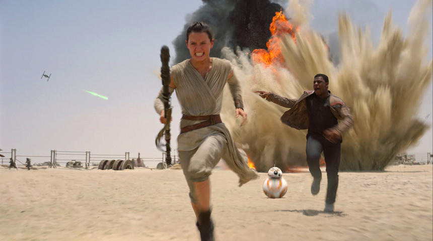 Box-office nord-américain : Star Wars : The Force Awakens dépasse les prédictions