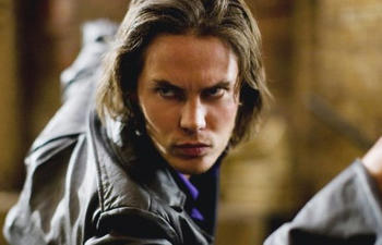 Taylor Kitsch dans le remake de The Raid