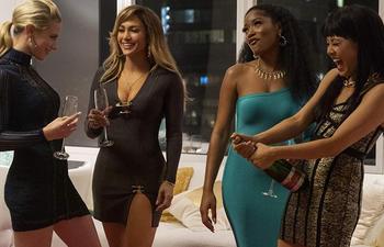 Voyez les divers looks de Jennifer Lopez au cinéma