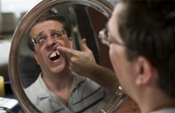 Ed Helms sera Le Mac